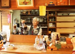 ことのまあかりのあった場所で半世紀以上の長きにわたり喫茶店「アカダマ」を営業していた大槻旭彦さん