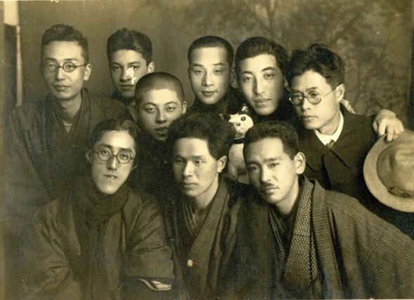 京都市立絵画専門学校時代。右下が不染、中段が上村
