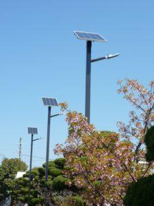 雨天が続いても充電するソーラー照明