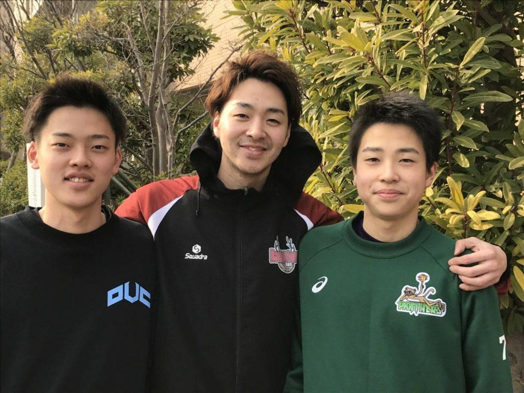 バスケ3兄弟。(左から)輝さん、山下颯選手、優さん